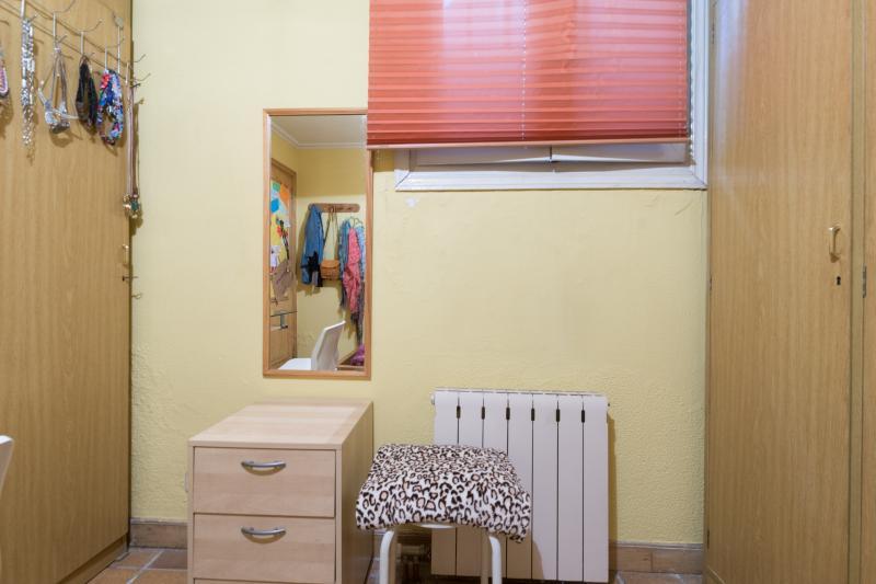 Habitaci n individual enfriar en un piso de 3 dormitorios for Pisos universitarios madrid