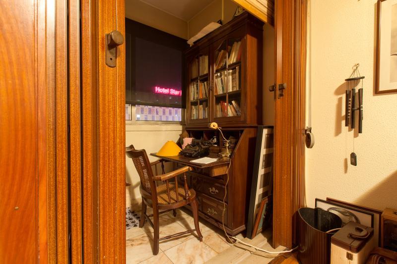 Slaapkamer Eenpersoons : Eenpersoons slaapkamer in 3 slaapkamer huis ...