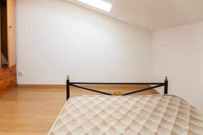 Bright single bedroom close to Instituto Superior de Engenharia de ...