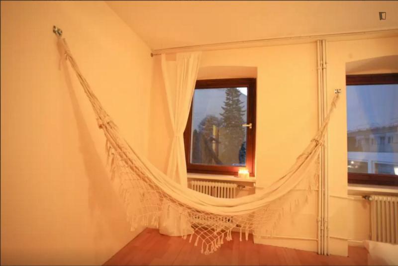 Un piso de 1 habitaci n ref 53313 825 con facturas for Piso 1 habitacion